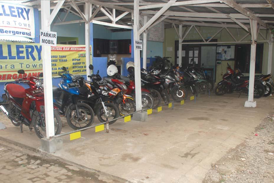 Parkir Motor Karyawan & Tamu