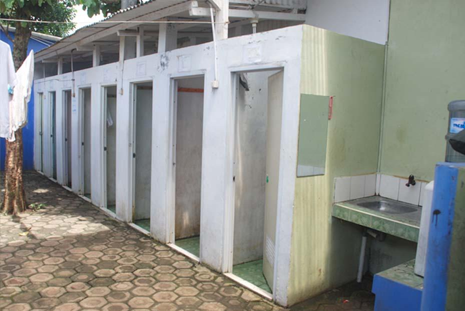 Toilet Karyawan